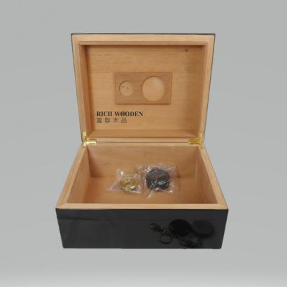 cigar box _8_.png