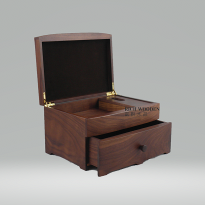 walnut jewelry box.png