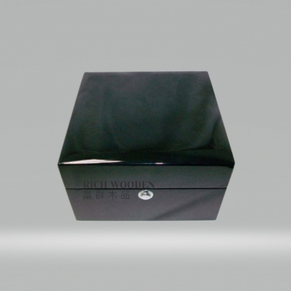 watch box-1.jpg